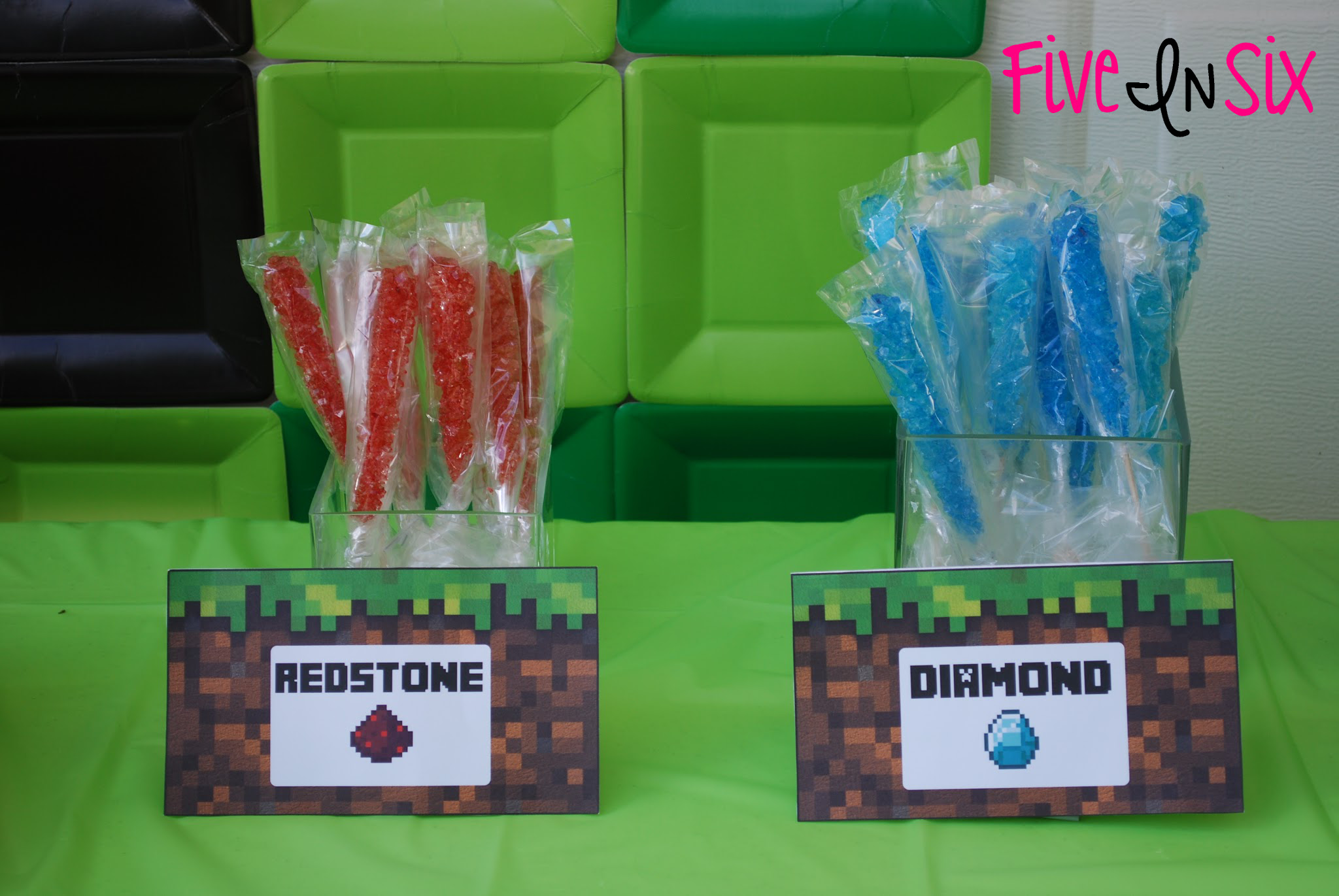 Minecraft Party Decoration Ideas and Downloadable Printables - Five In ...